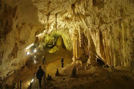 Cueva Budapest