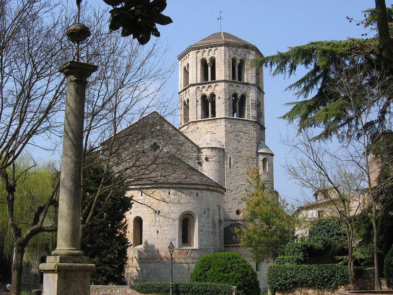 1200px-Monasterio_de_Sant_Pere_de_Galligants