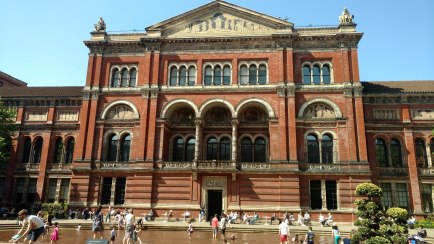 Victoria and Albert Museum patio